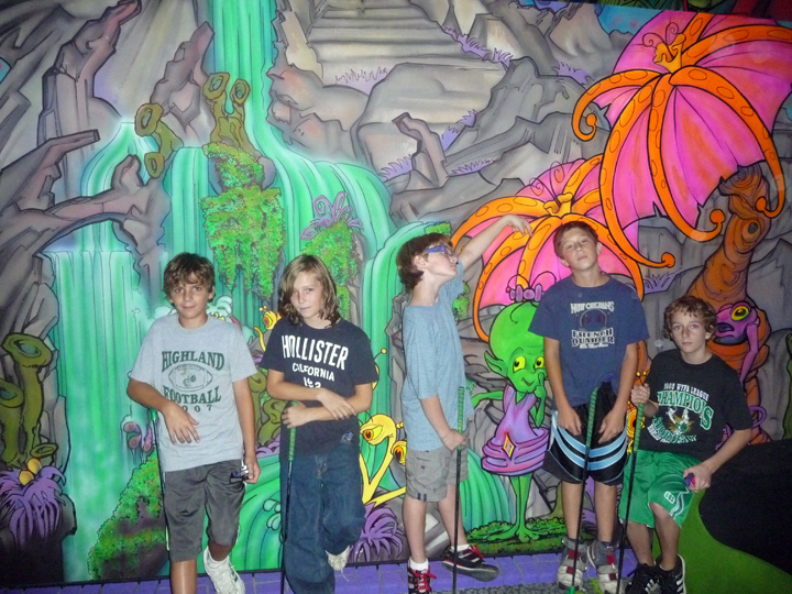 5 Tweens Experience Alien Vacation Mini Golf